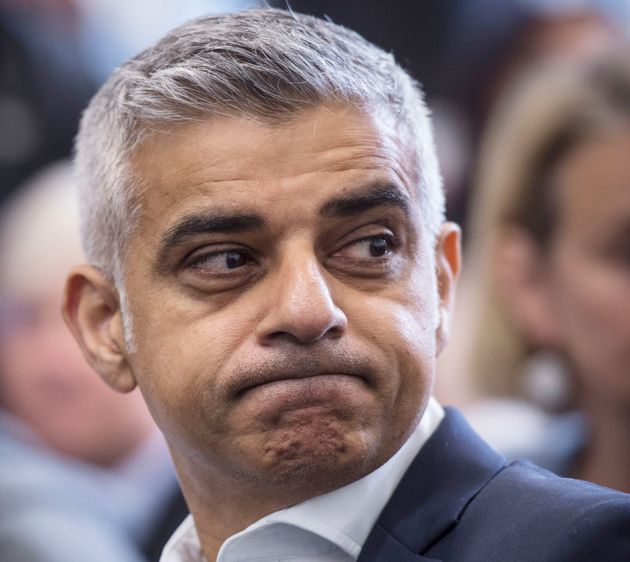 Sadiq Khan rejects call to move Notting Hill carnival after Grenfell fire
