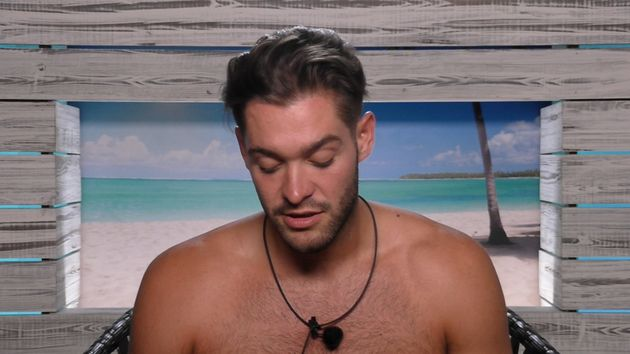 Camilla and Jamie entertain Love Island viewers with conversation about books