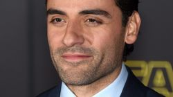 Friendly (And Wildly Hot) Reminder Oscar Isaac Is Playing