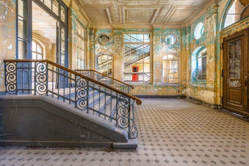 """GRANDEUR"" from the award winning Beelitz sanatorium documentary"