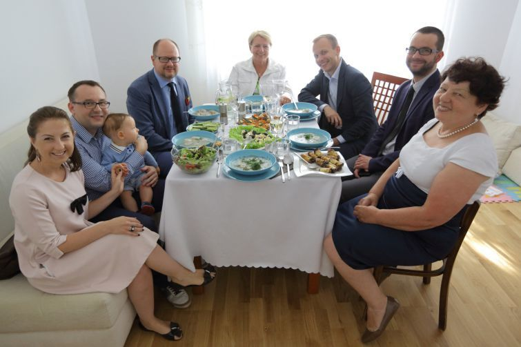 Together with Skulbaszewski family, who moved from Kazakhstan to Gdansk