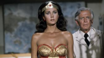 WONDER WOMAN - 'The Pluto File' - Airdate: December 25, 1976. (Photo by ABC Photo Archives/ABC via Getty Images)LYNDA CARTER;HAYDEN RORKE