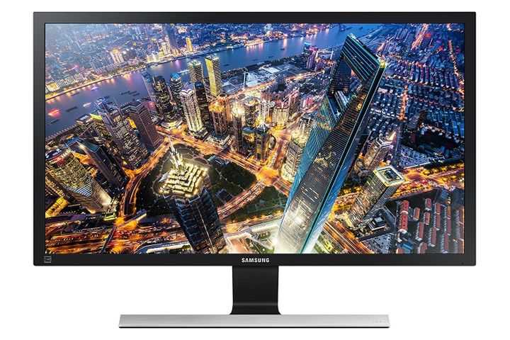 Get this Samsung monitor for 30% off.