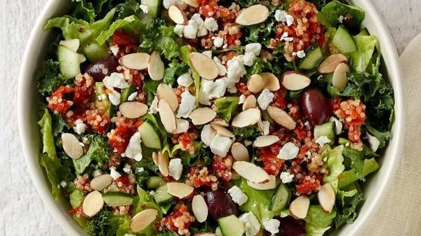 <strong>Ingredients:</strong> romaine lettuce, quinoa sofrito tomato blend, Greek dressing, kale, cucumber, feta cheese, almo