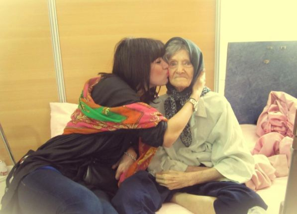 Holly Dagres with her late Iranian grandmother.