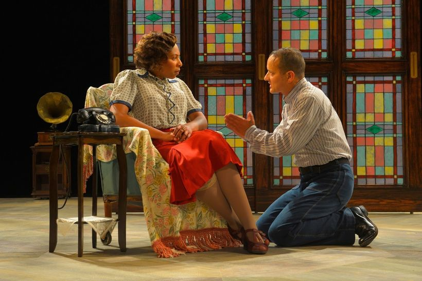 Karen Aldridge (Amanda) and Sean San Jose (Tom) in a scene from <strong><em>The Glass Menagerie</em></strong>