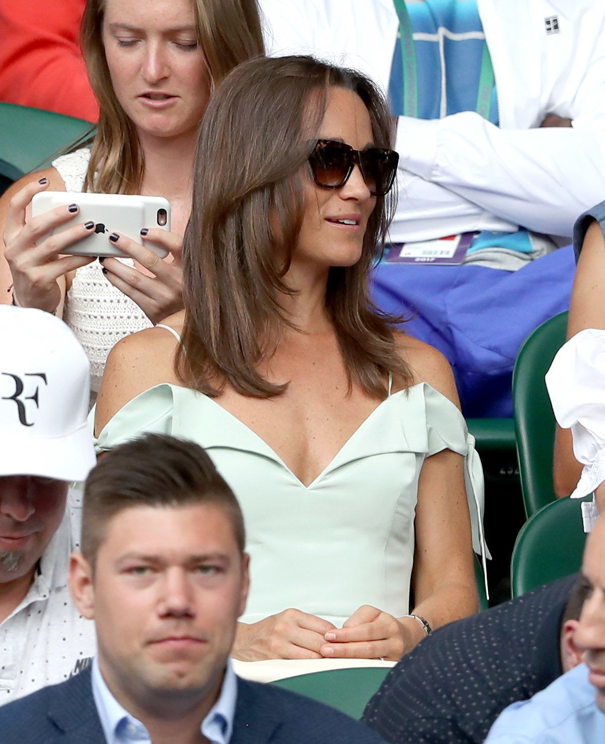 LONDON, ENGLAND - JULY 10:  Pippa Middleton attends day seven of the Wimbledon Tennis Championships at the All England Lawn Tennis and Croquet Club on July 10, 2017 in London, United Kingdom.  (Photo by Karwai Tang/WireImage)