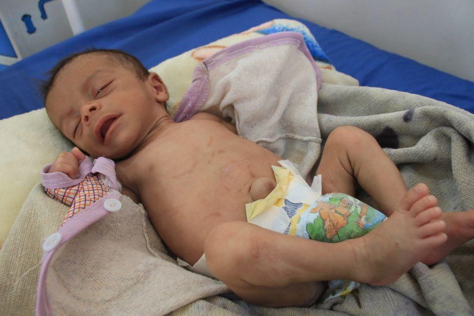 Faris se recupera após meses de tratamento intensivo no hospital al-Jamhouri. Enquanto isso, o tempo...