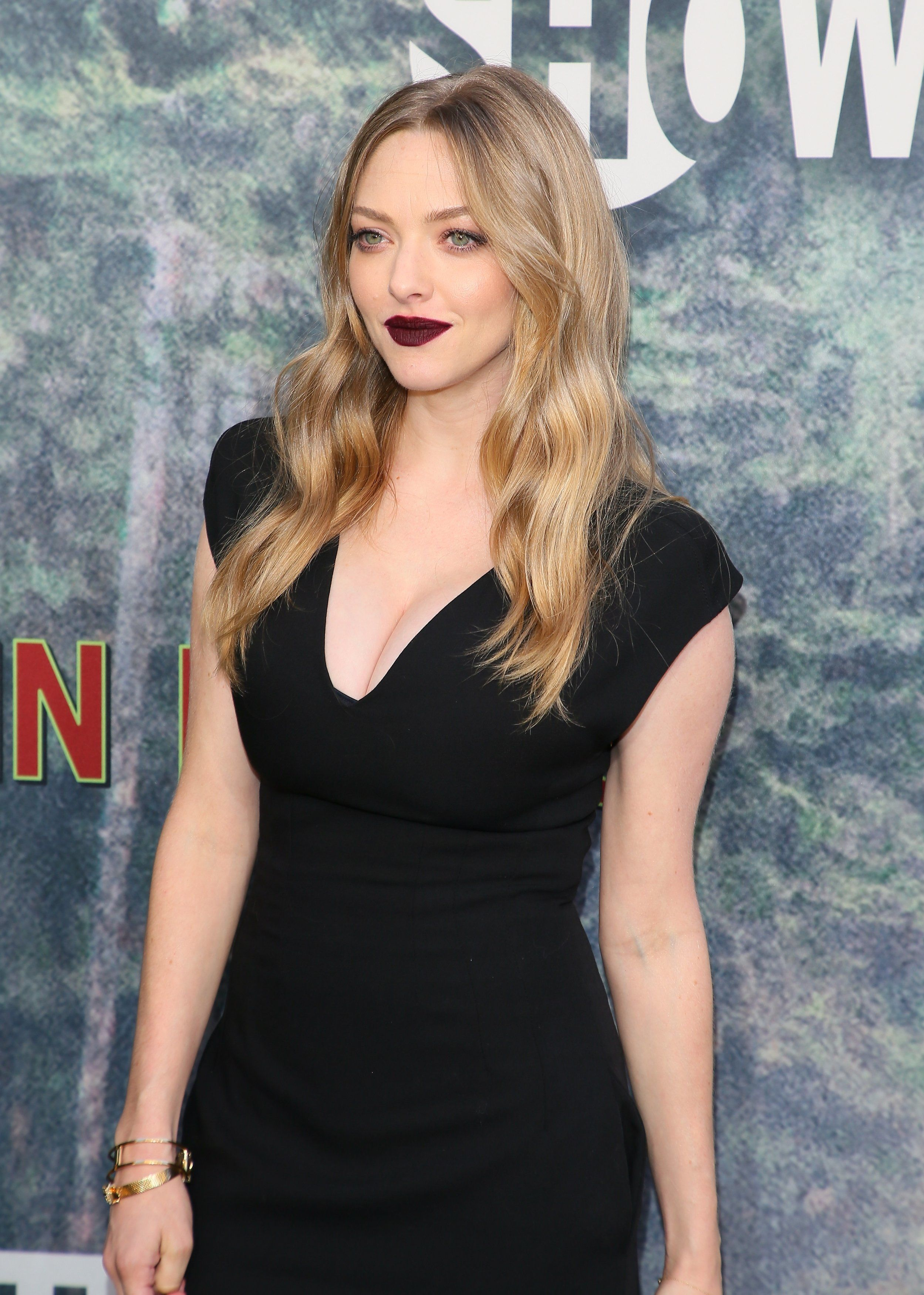 LOS ANGELES, CA - MAY 19: Amanda Seyfried attends the premiere of Showtime's 'Twin Peaks' at The Theatre at Ace Hotel on May 19, 2017 in Los Angeles, California.(Photo by JB Lacroix/WireImage)