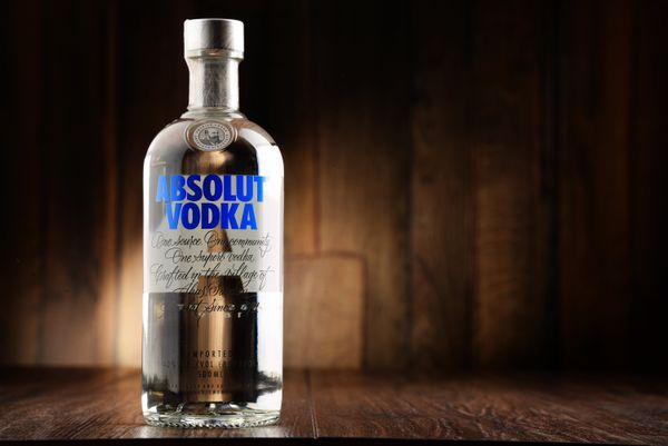 "Just a <a href=""https://contact.absolut.com/org/absolut-vodka/d/calories-and-carbs-for-all-vodkas/"" target=""_blank"">few calor"