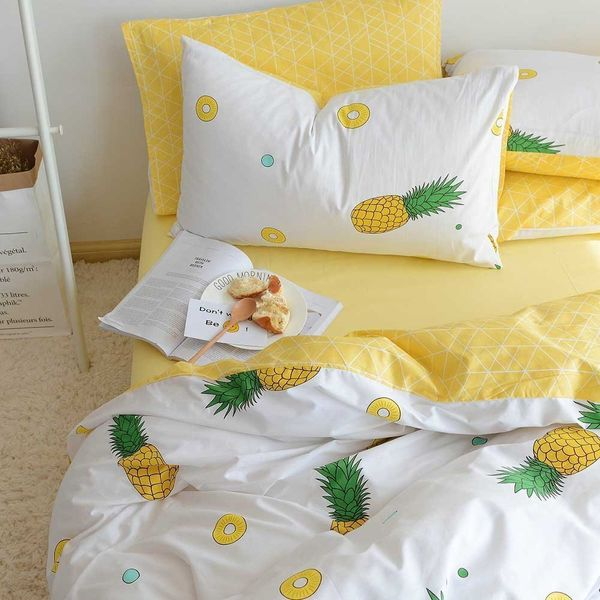 "<a href=""https://www.amazon.com/BuLuTu-Pineapple-Pattern-Collections-Comforter/dp/B06XH8CZRY/ref=sr_1_9?amp=&ie=UTF8&keywords"