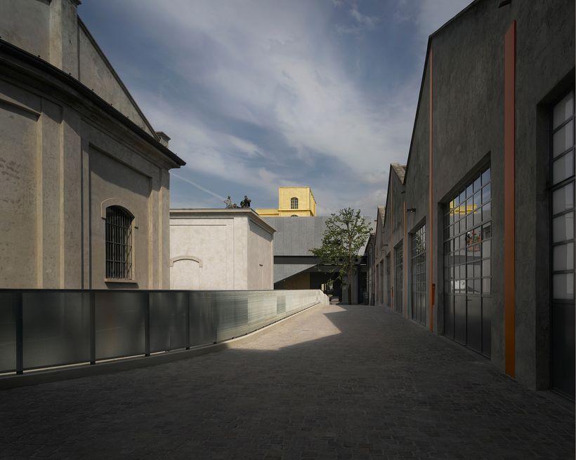 <strong>Fondazione Prada</strong>