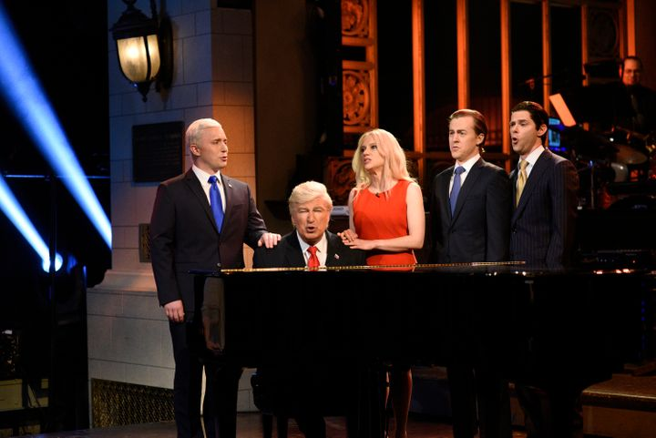 "Beck Bennett as Vice President Pence, Alec Baldwin as President Donald J. Trump, Kate McKinnon as Kellyanne Conway on ""Saturd"