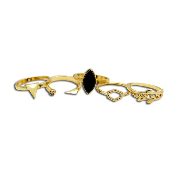 """Get the <a href=""""https://www.liveinexcess.com/product/ashley-nell-tipton-wide-fit-gold-5-pack-trend-rings/"""" target=""""_blank"""">A"""