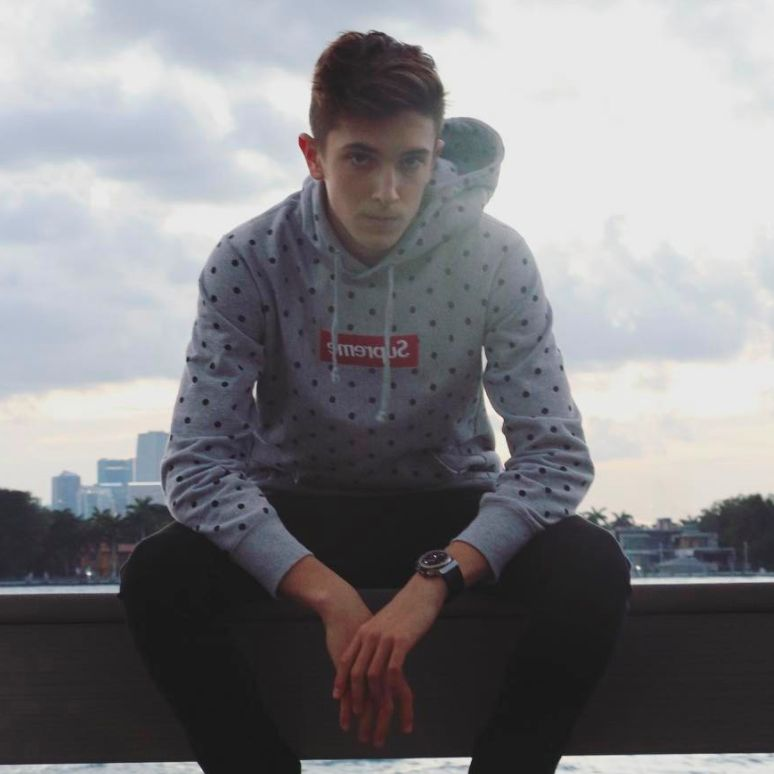<em>17 year old mastermind show</em>-<em>stopper who's got his hands on multiple big venture projects in just few months! </e