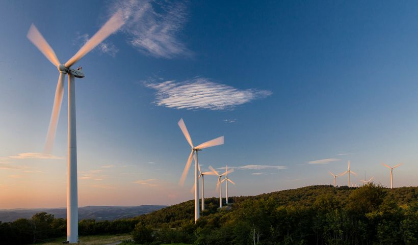 Wind farm turbines situated on a ridge top in the Appalachian mountains of West Virginia. © Kent Mason