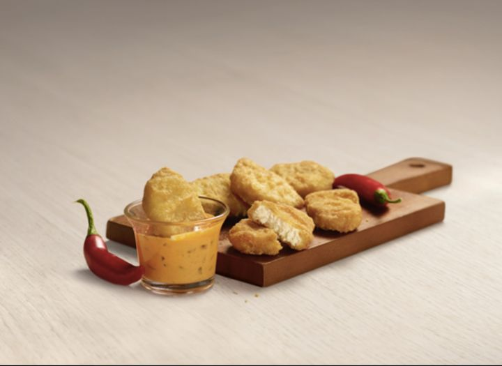 Wondering what to dip in the sauce? Nuggets will do.