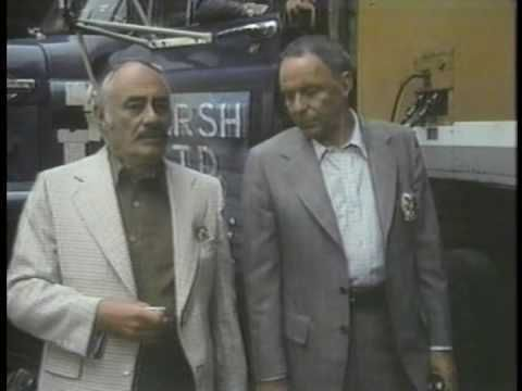 <strong><em>Martin Balsam and Sinatra on Contract's set</em></strong>
