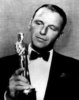 <strong><em>Sinatra with his Oscar for From Here to Eternity</em></strong>