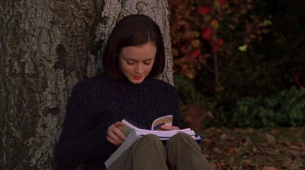 In this episode, Rory Gilmore makes reading look more complicated than it is.