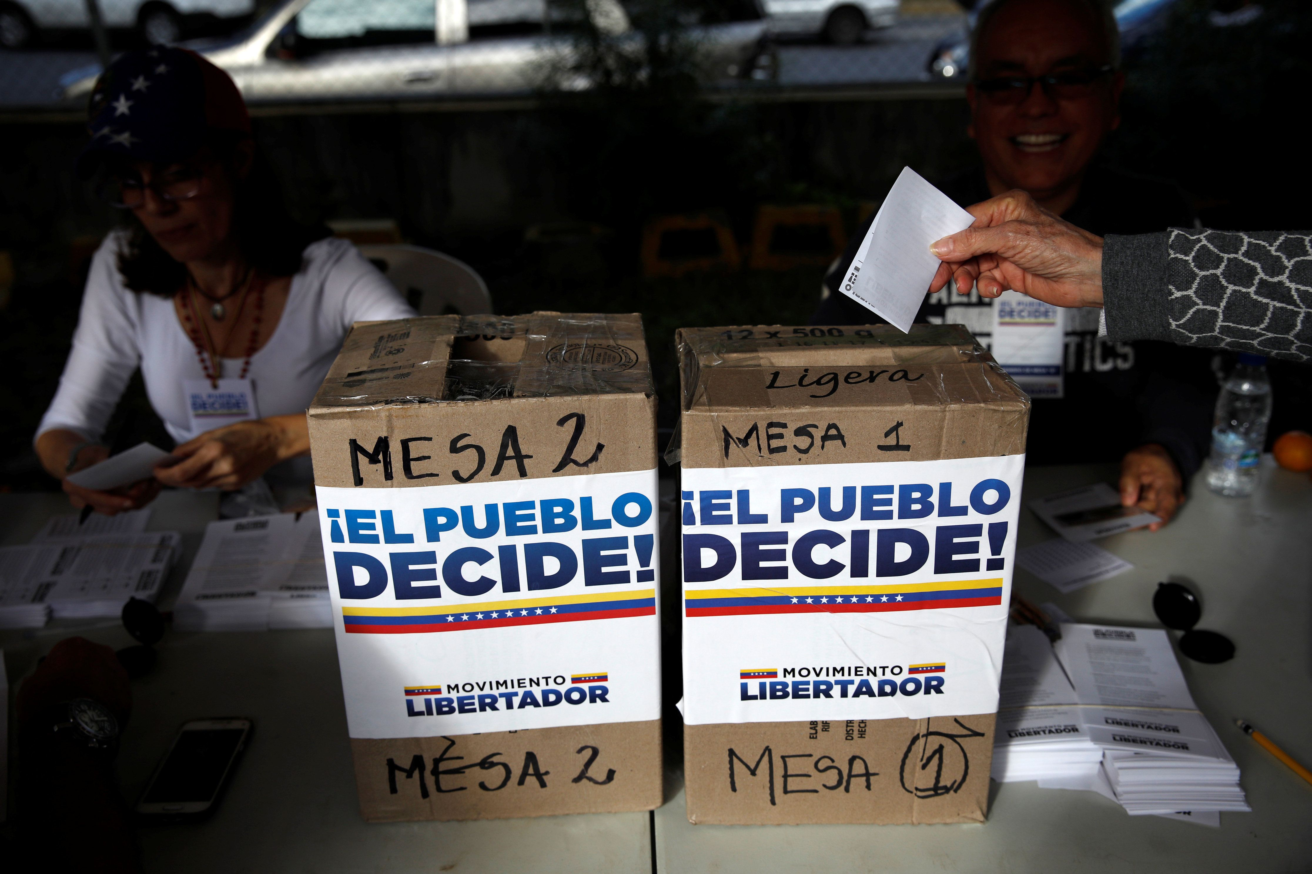 Venezuelans vote vs Maduro