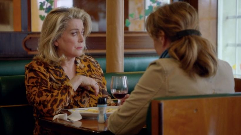 Over a fine wine, Béatrice (Catherine Deneuve) learns that the love of her life is deceased.