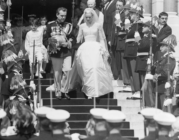 The inspiration from Grace Kelly's 1956 wedding dress is obvious.