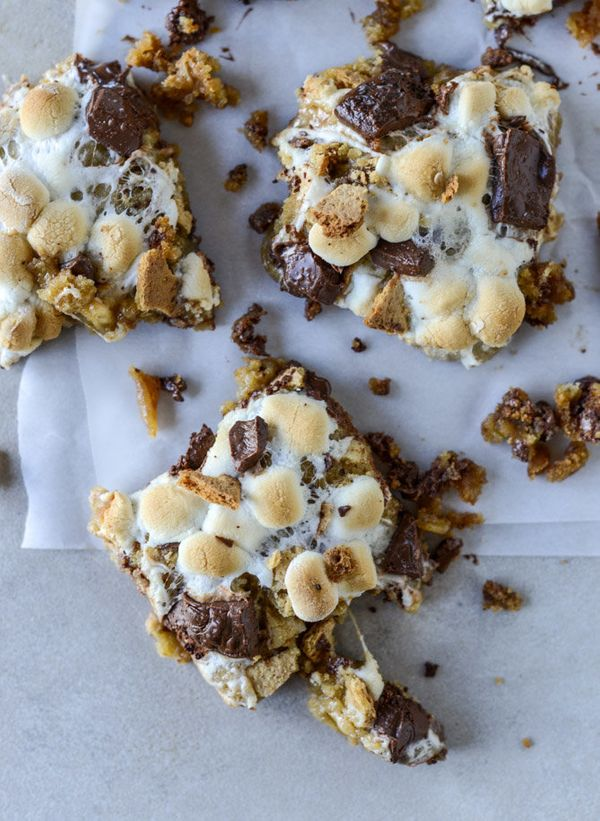 """<strong>Get the <a href=""""http://www.howsweeteats.com/2016/09/chocolate-chip-cookie-smores-bars/"""" target=""""_blank"""">Chocolate Ch"""