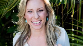 Justine Damond, also known as Justine Ruszczyk, from Sydney, is seen in this 2015 photo released by Stephen Govel Photography in New York, U.S., on July 17, 2017.   Courtesy Stephen Govel/Stephen Govel Photography/Handout via REUTERS  ATTENTION EDITORS - THIS IMAGE WAS PROVIDED BY A THIRD PARTY. MANDATORY CREDIT.