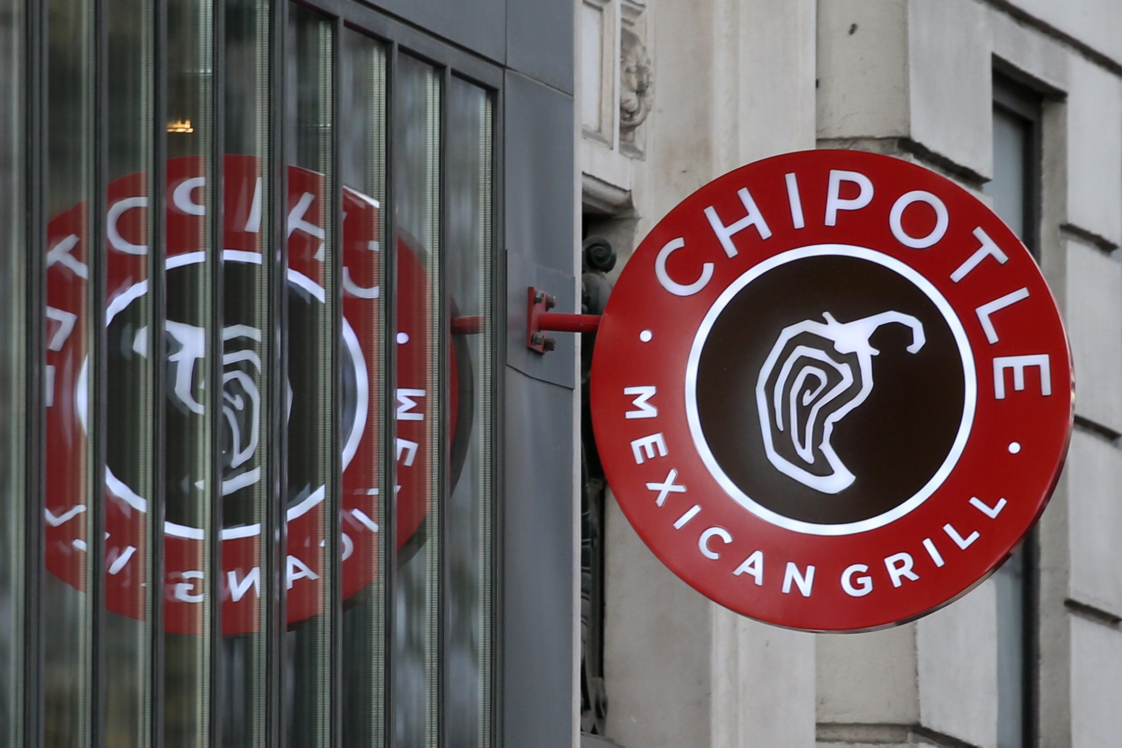Chipotle Reopening Restaurant Linked To Customer Illnesses