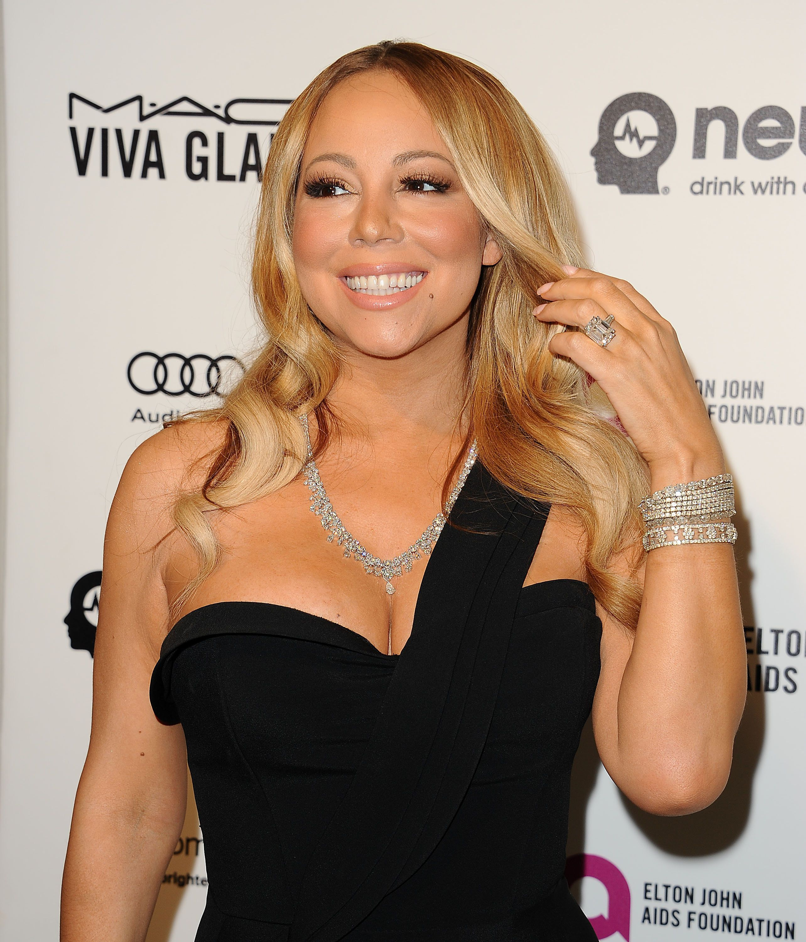WEST HOLLYWOOD, CA - FEBRUARY 28:  Mariah Carey attends the 24th annual Elton John AIDS Foundation's Oscar viewing party on February 28, 2016 in West Hollywood, California.  (Photo by Jason LaVeris/Getty Images)