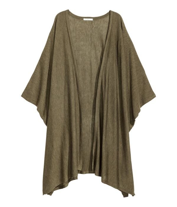 "You definitely want a wrap or cardigan to throw on when those summer nights get a little chilly. <a href=""http://www.hm."