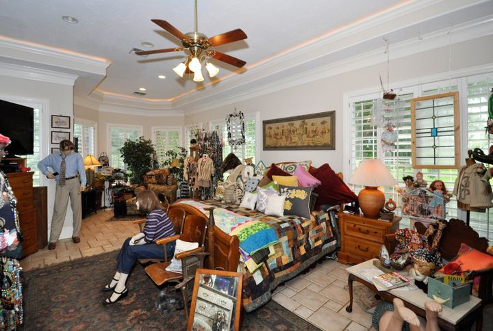 Master bedroom. Could those mannequins be quarreling?
