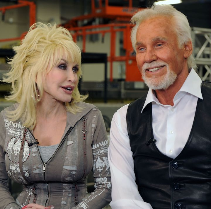 Country music stars Kenny Rogers and Dolly Parton will stand on a stage one last time this fall.