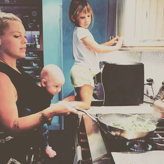 Parents Of Instagram Drown Out The 'Mum Shamers' Criticising Pink For Cooking With Her