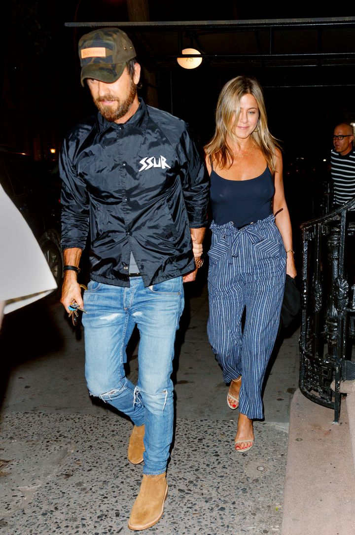 5fe1e67a2ebaa Jennifer Aniston Found The Pants Of Your Comfort-Loving Dreams ...