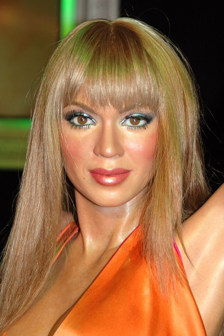 Another questionable wax Beyoncé appearsat Madame Tussauds in London.