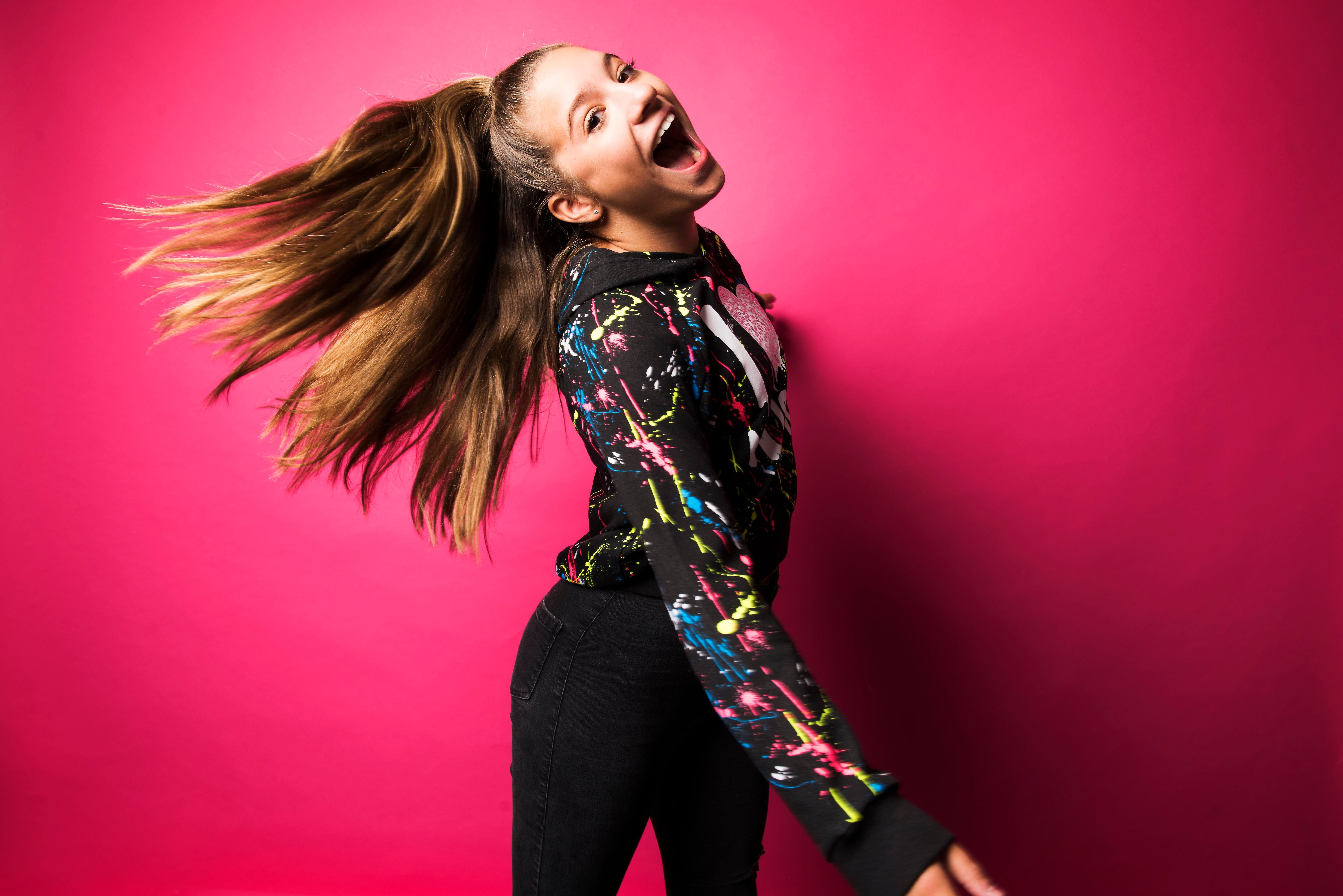 mackenzie ziegler songs - HD 1910×1000