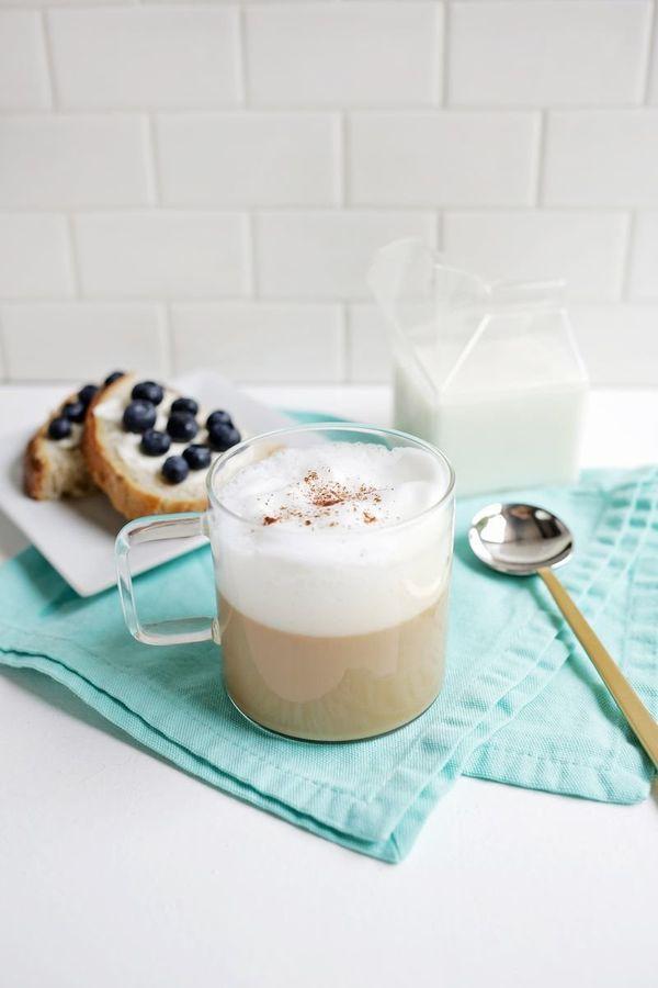 "<strong>Get the <a href=""http://abeautifulmess.com/2015/08/chicory-vanilla-latte.html"" target=""_blank"">Chicory Vanilla Latte"