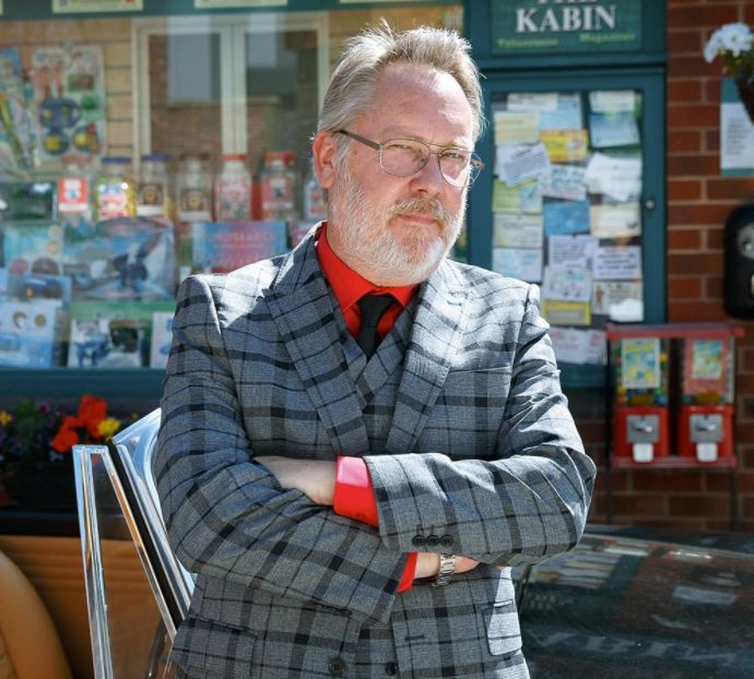First Look At Vic Reeves On The Set Of 'Coronation