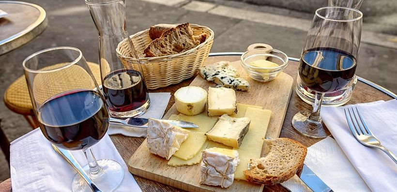 It doesn't get any more French than vin et fromage