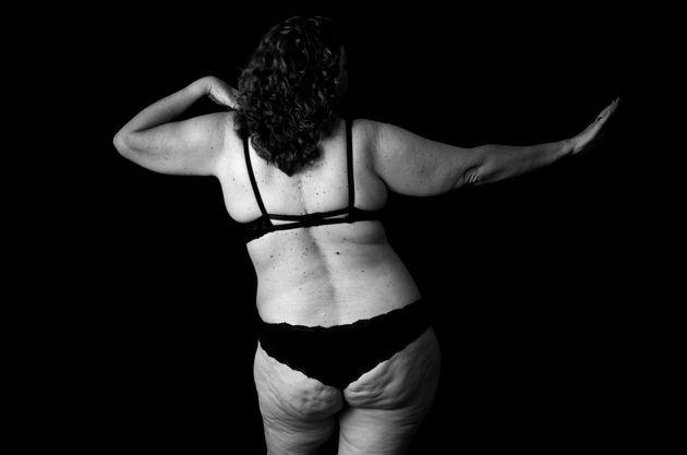 Seis madres afrontan críticas y complejos con fotografías