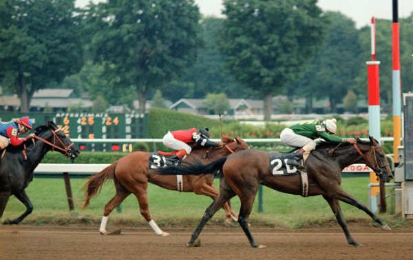 <strong>Weekend Surprise winning the 1982 Schuylerville Stakes.</strong>