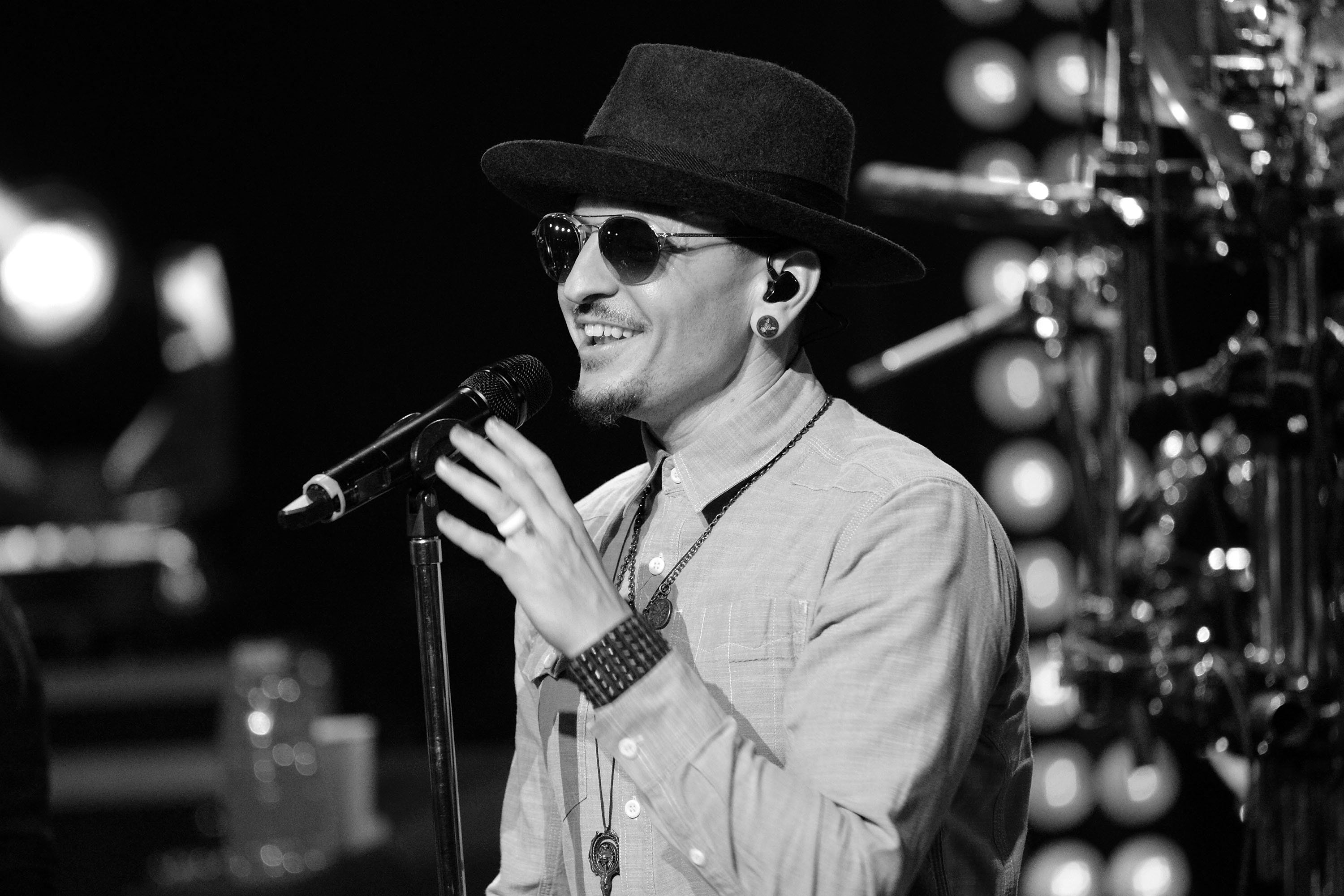 BURBANK, CA - MAY 22:  (EDITORS NOTE: Image has been converted to black and white) Singer Chester Bennington of Linkin Park performs onstage during the band's 'One More Light' album release party at the iHeartRadio Theater on May 22, 2017 in Burbank, California.  (Photo by Scott Dudelson/WireImage)