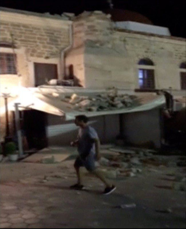 At Least 2 Killed, 20 Injured In Strong Quake Off Turkish And Greek Coasts