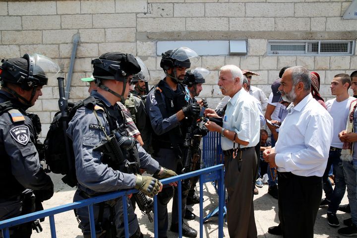 Jew Detector: Protesters Clash With Police After Access To Aqsa Mosque