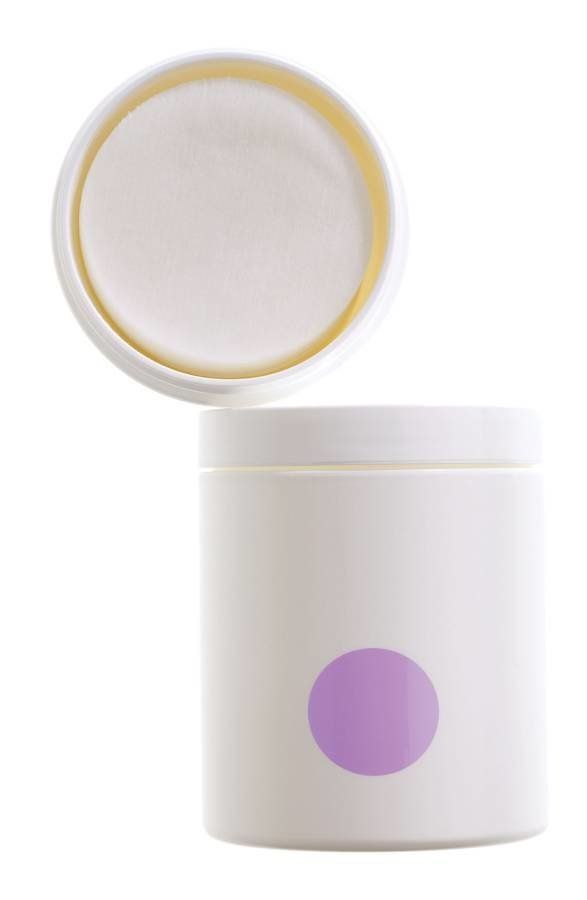 Infused with MDT5 and a blend of alpha and beta hydroxy acids, these pre-moistened pads are to be used twice daily after clea