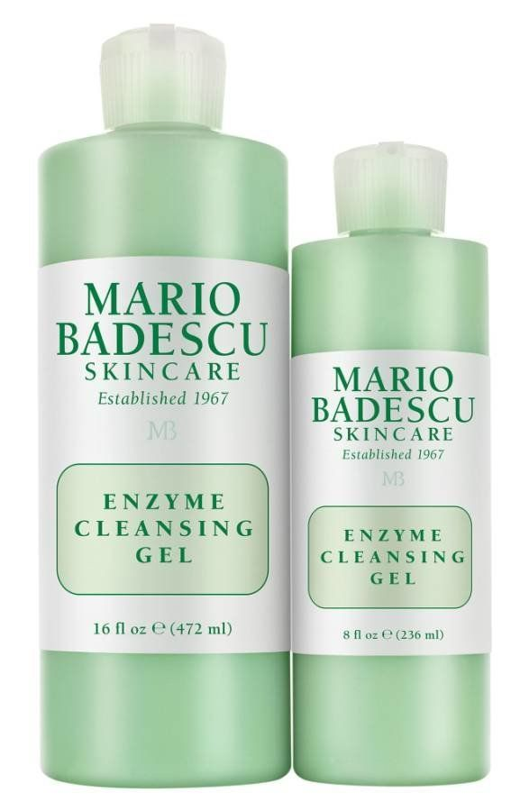 This non-foaming gel cleanser remove the day's makeup and dirty, while its alpha-hydroxy acids help prevent buildup that caus
