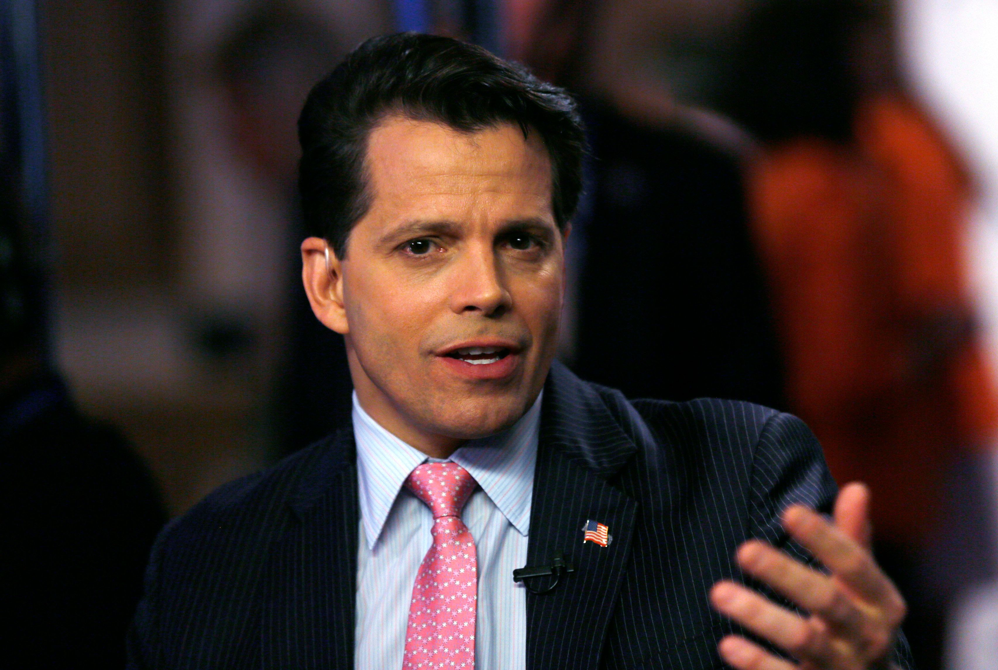 Anthony Scaramucci, co-managing partner of investment firm SkyBridge Capital, talks to a reporter at the annual Skybridge Alternatives Conference in Las Vegas May 8, 2013. REUTERS/Rick Wilking (UNITED STATES - Tags: BUSINESS)