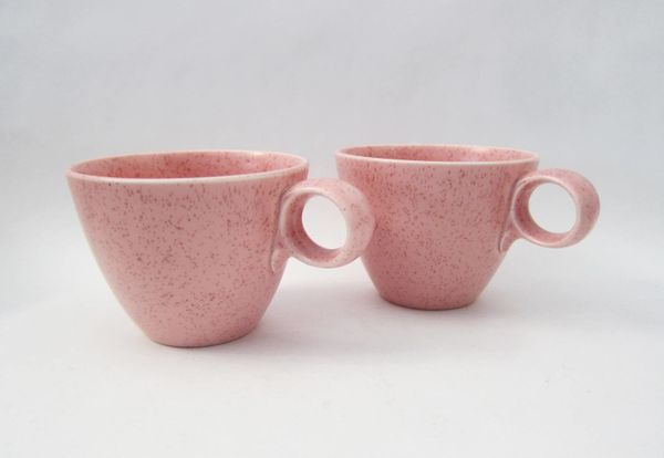 """<a href=""""https://www.etsy.com/listing/524584163/vernonware-mid-centry-millennial-pink?ref=market"""" target=""""_blank"""">Shop it her"""